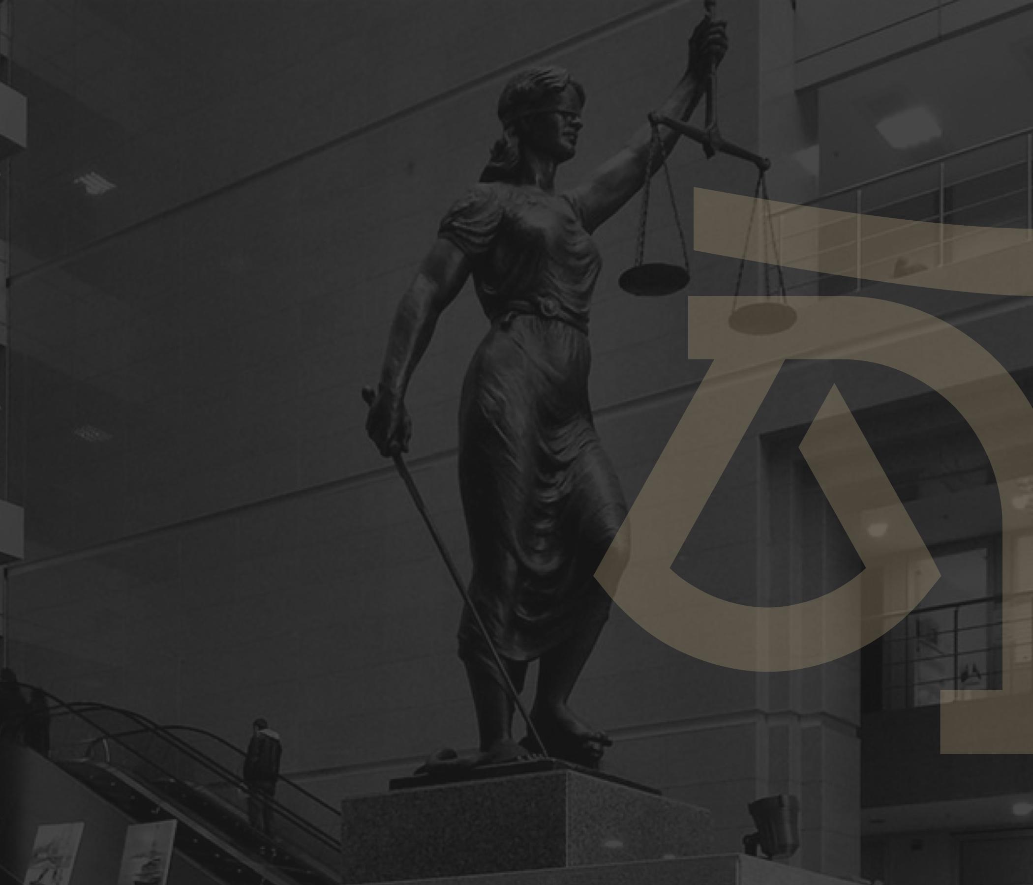 Büromuz avukatları Türkçe'nin yanında İngilizce ve Fransızca dillerinde de etkin şekilde hizmet vermektedir.
